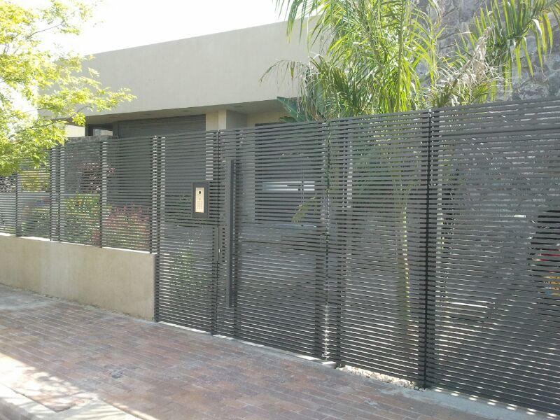 גדר אלומיניום בסגנון מודרני